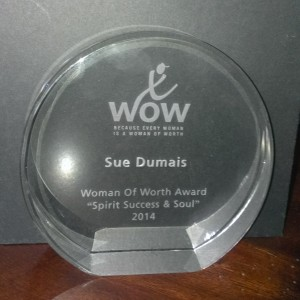 Sue Dumais receives Woman of Worth Award